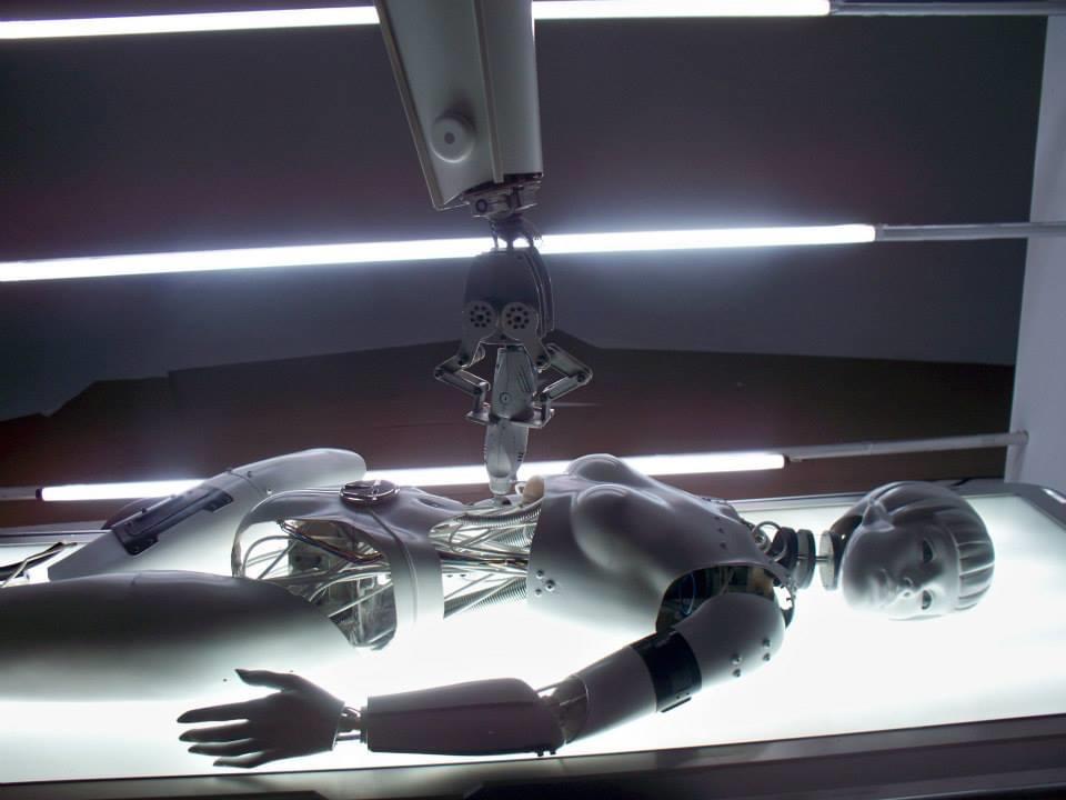 Robotics & Mechanical Effects Mechanical effects, remote control, robotics, animatronics, electronics & lighting effects are core strengths of the Flix FX